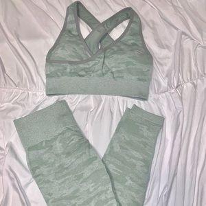 Workout 2 piece green Camo
